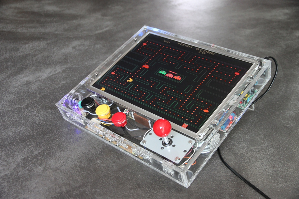 Retro Gaming Arcade Console with Raspberry Pi (RetroPie